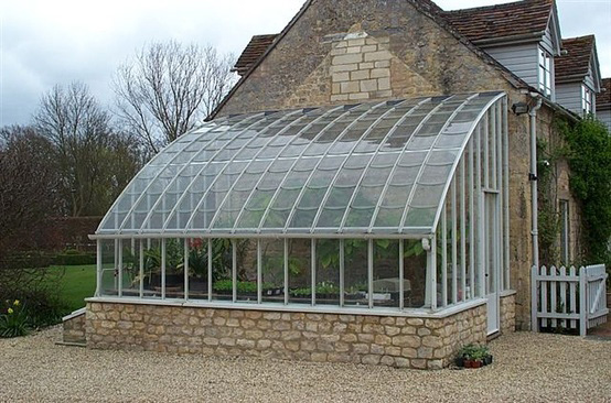 Lean to victorian greenhouses for Greenhouse styles